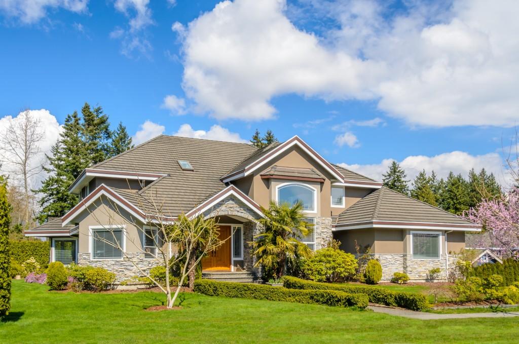 Residential property frontyard lawn