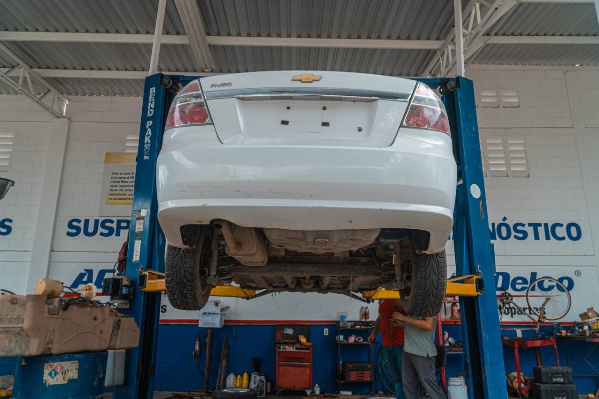 hydraulic machine lifting a car